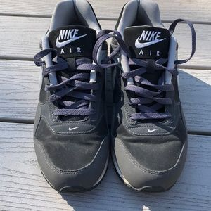 Men's Nike air sneakers